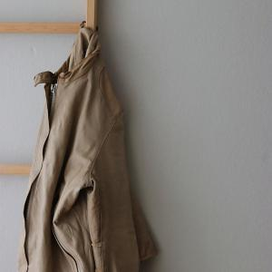 40代、シンプリストファッション|買って良かった!雨にも汚れにも強い、洗えるレザージャットSisii。初のホームクリーニングはいかに!?