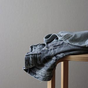40代のTシャツ問題。UNIQLOU(ユニクロユー)のTシャツでニュアンスカラーコーデ