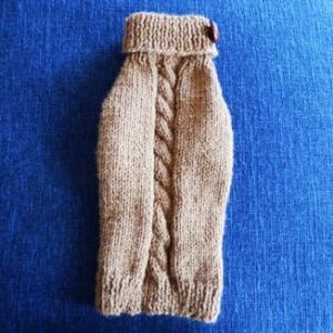 わんちゃんのセーターその1・小型犬用/S/薄茶色・縄編み