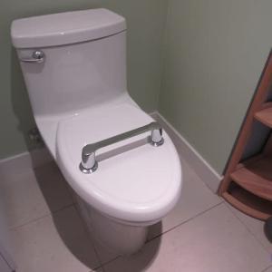 新しいシャワーブースの排水口をどうするか