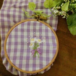 マーガレットの花刺繍