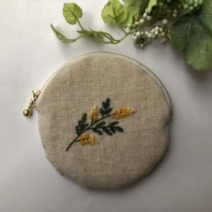 ミモザの刺繍