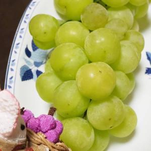 フルーツが美味しい季節に!フルーツかご盛りうさちゃん
