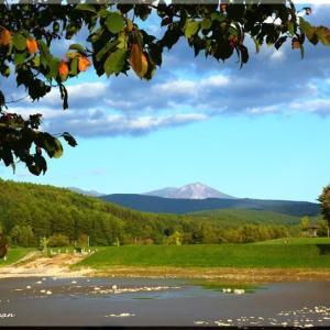 秋の気配の旭岳