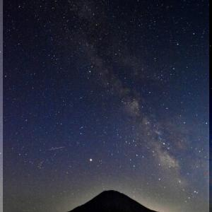 星空と蝦夷富士