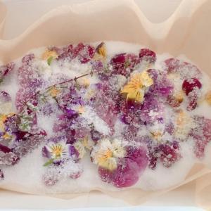おうち時間をゆったり贅沢に! お花の砂糖漬けを作る