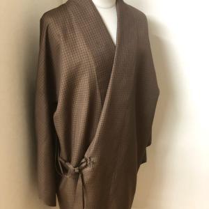 保管していた解き洗い張り済の着物地で道中単衣コートのお仕立て!