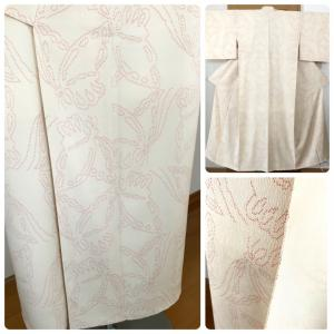 蝶が織り出されたアイボリーの紬着物のお仕立て!