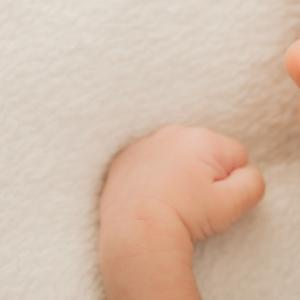 生後1ヶ月で出てきた乳児湿疹。原因は?予防に最適、自宅ケアにおすすめの保湿ローション!