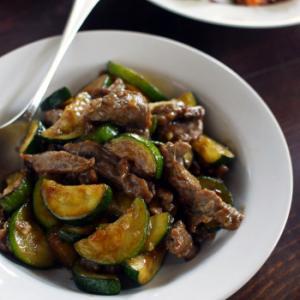 牛肉とズッキーニの炒めもの&酸辣湯