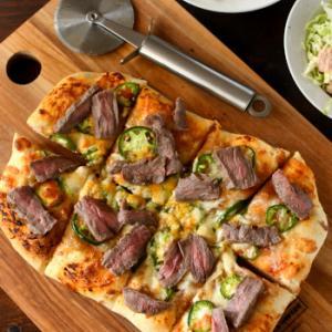 ステーキ&ハラペーニョのピザ