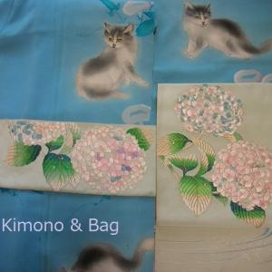 猫の着物に紫陽花の帯