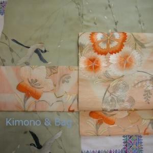 燕の着物に花の帯