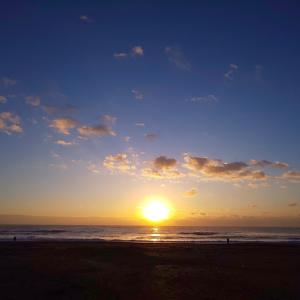 今日の朝ラン☆海岸線へバースデー日の出ラン