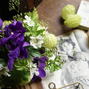 8月レッスンのご案内「盛夏の蘭のブーケ」