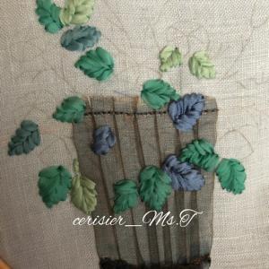 生徒さんの作品、リボン刺しゅうの進捗と、庭園美術館ランチ