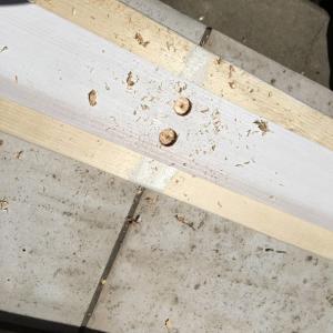 DIYでブロックの上に木製フェンスを作る~完成編