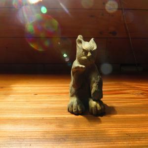 あまびえ様?窯元の猫様。