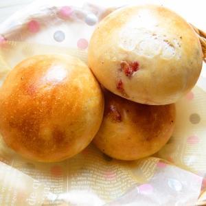 苺の季節も、もう少し、楽しむパン。