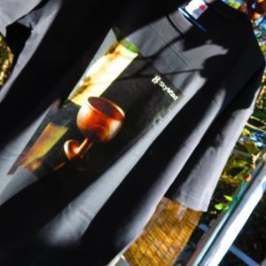 窯元の作品写真が、Tシャツに。