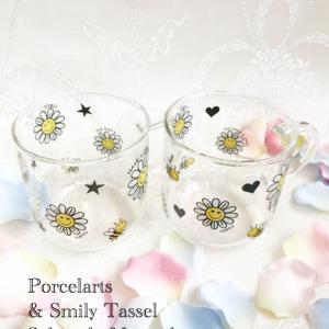 【ポーセラーツフリーレッスン作品】フラワースマイルの可愛いペアマグカップ