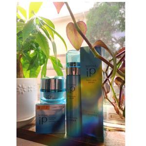 洗顔後の肌に「いきなり2つの美容液」ブレない毎日を作るSOFlNA iP ダブル美容液
