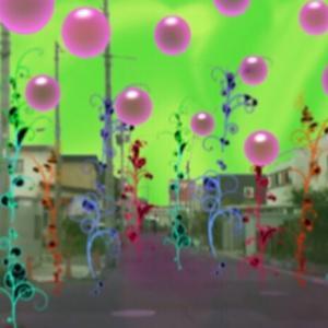 街中→河川敷→実在しない山道→商業団地→スーパーで買い物→さっきと違う山道→明晰夢→異空間通路
