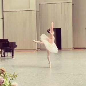 ピアノ×バレエコンサートの動画『オーロラ姫act1ヴァリエーション』