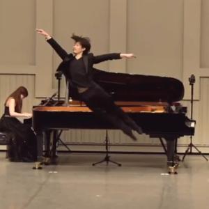 ピアノ×バレエコンサートの動画『デジレ王子』