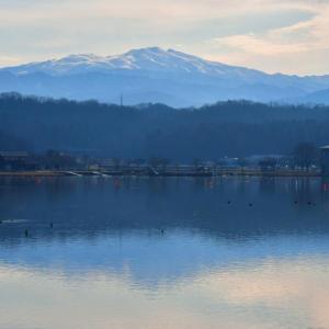 暖冬の朝 木場潟からの白山連峰。。。