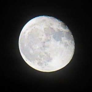 ハーベストムーンにつづく 秋の月。。。