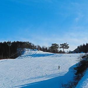ようやく今シーズンの初滑り ローカルスキー場へ。。。