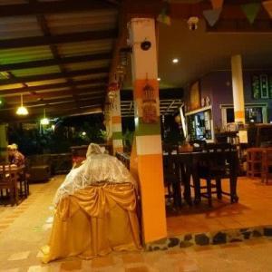 チャン島ペニーズリゾートで晩餐した
