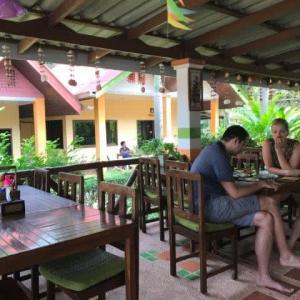 チャン島Penny's Resortで朝食を食った