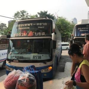 トラート行きのバスに乗ったらチャンタブリーで乗り換えだった