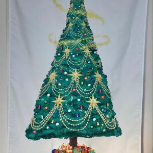 水戸市のクリスマスはクリスマスツリーのタペストリー買いました(3枚)