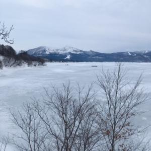 氷上わかさぎ釣り & スノーモビル