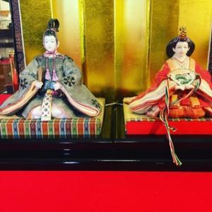 雛人形で彩る陶磁器会館