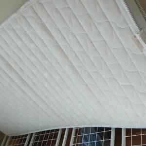 ベッドの掃除と細かい掃除