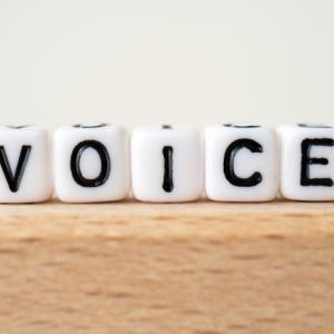 【歌で改善】誰とも話さないひとり暮らしを続けたら声が出なくなってきた!