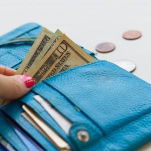 困りごとを出来るだけ自分で解決している理由は『お金を使わないため』