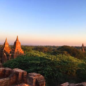 バガンの夕陽 いつも東南アジアの夕陽が