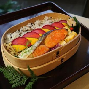 本当にお弁当が華やかになり助かる野菜のピクルス