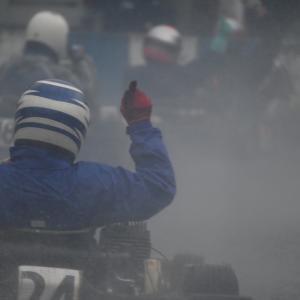 レースの動画写真