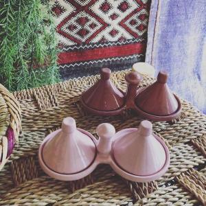 シンプルな陶器の2連ミニタジン 小物入れ♪