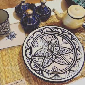 涼しげなモロッコ風テーブルコーディネート
