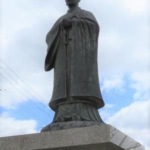 坂本石積みの郷公園(3)若き日の最澄像