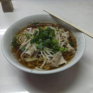 呉市音戸町鰯浜・しんちゃんにて、焼きそばラーメンの昼食。
