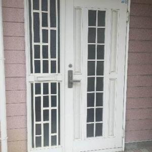 アパート玄関の鍵交換