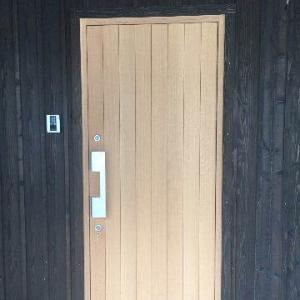 ドアが開けられない